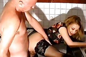old studs fucks a younger women
