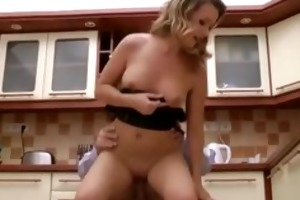 aged guy fucking younger beauty