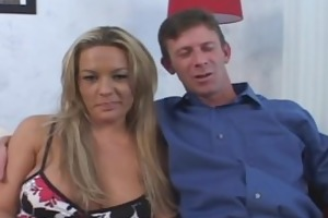 hubby encourages wife to have new paramour