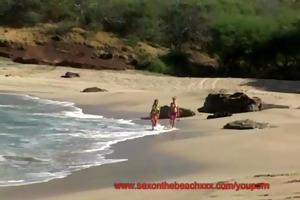 sex on the beach three-some lynn & danni