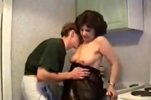 russian mamma gets screwed in the kitchen
