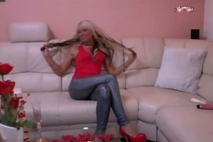 blond mother i best marital-device solo for