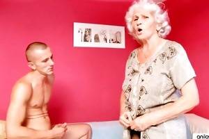 aged granny betty bonks juvenile cock