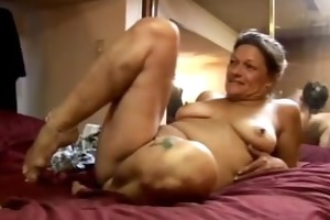 ivee is a lustful aged doxy who loves to fuck