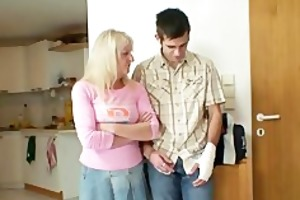 she is fucks her son in law after couple of drinks