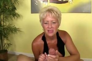 dominant lady 3d tugjob