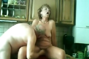 my mamma and daddy fucking in our kitchen !!!