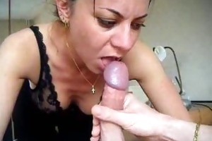 hot d like to fuck engulfing cock, taking cum in