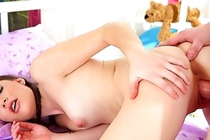 marina is a sexy 18 year old virgin and lays in