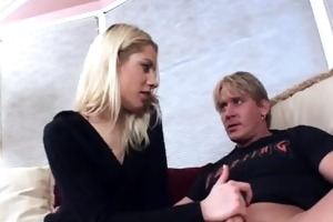 oral-stimulation sex caressing previous to sex