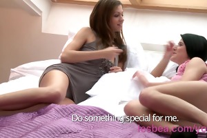 lesbea hd fingers deep inside her girlfriends
