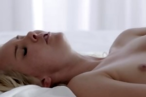 brunette orgasms with her fingers glamorous gal