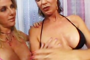 large tit mommies loving pussy