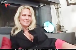 hot d like to fuck bonks her sons ally