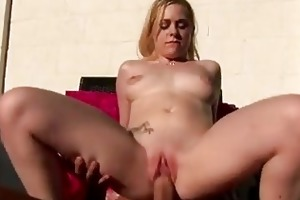 18 year old cindy loo pumps her juicy wet crack
