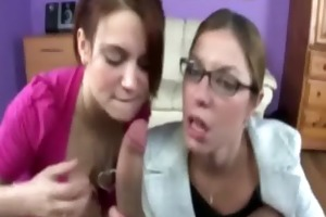 milf and teen babe suck dong together