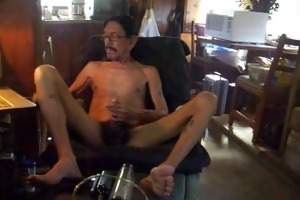daddy masturbating after pumping his penis