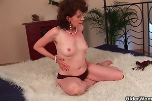 aged mama with hairy crotch and armpits screwed