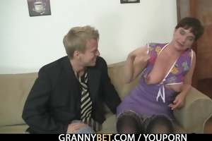 old mama widens her legs for hard penis
