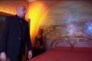 omar galanti scopa milf porcella - italian porn