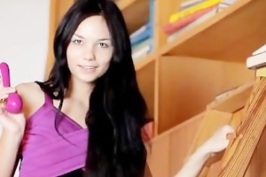 18 years gorgeous jasmin cumming with dildo