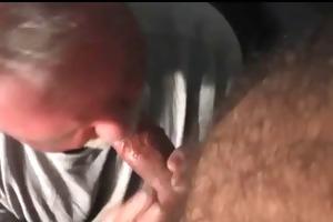 abuelo follado por daddy musculoso