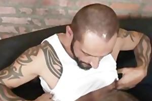 tattooed daddy fucks bear