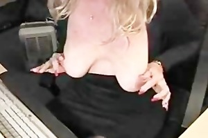 golden-haired d like to fuck masturbates on cam