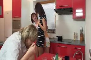 mom seduces her son&#039 s gf into some