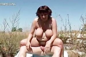 concupiscent milf gets her hirsute muf screwed
