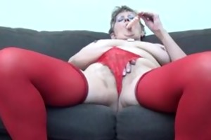 older woman in sexy red nylons part3