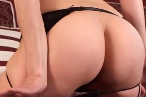 amateur mom toys her hirsute love tunnel