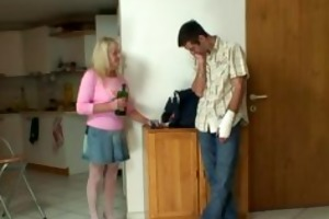 bigcocked chap is drilling his wifes mommy pussy