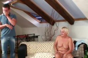 he is finds his gfs mommy naked and copulates her