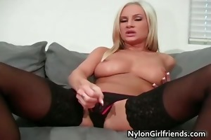 amy ried young brown haired lifts her part6